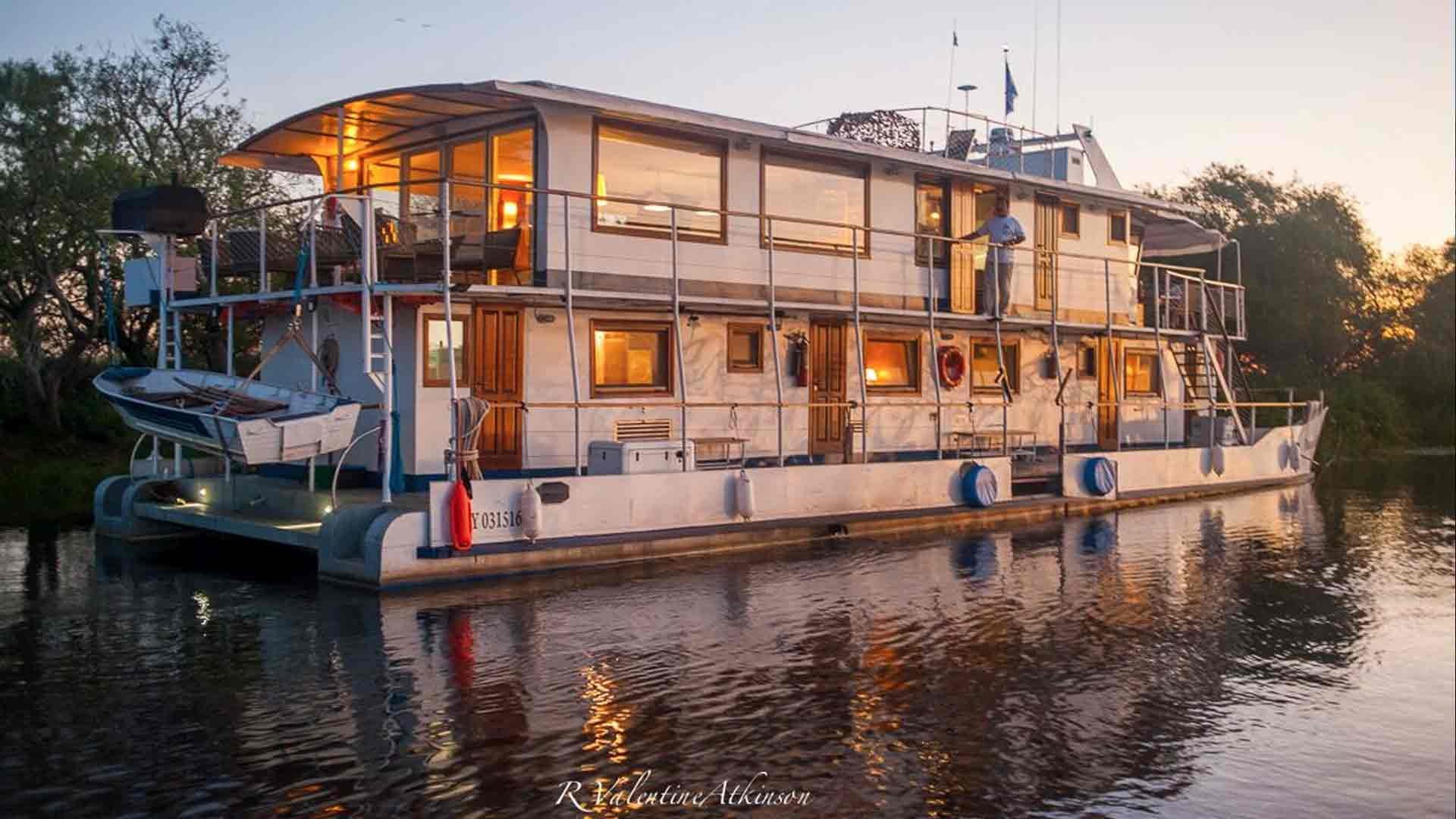 golden dorado river cruiser argentina
